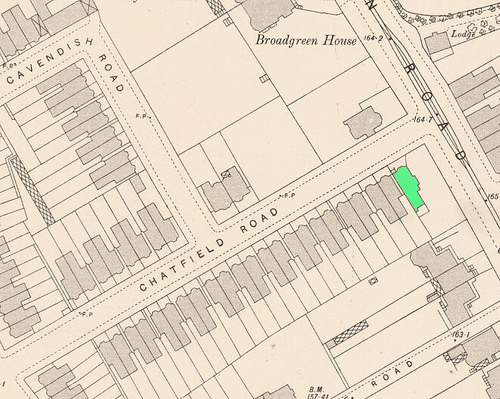 Another map showing the same area; side roads and houses have been built over the land previously occupied by the large estate.