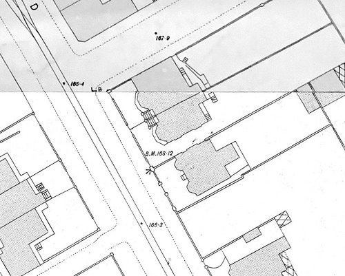 A monochrome map showing the same area; the gardens are not illustrated on this one, and changes have taken place in the buildings.